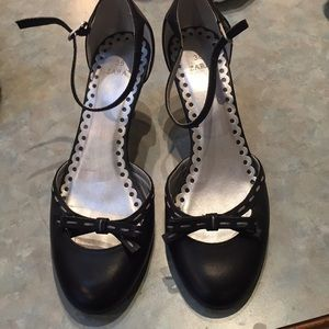 Zara black leather shoes